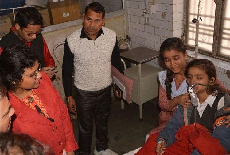सीडीओ नेहा जैन ने जाना बीमार बच्चों का हाल