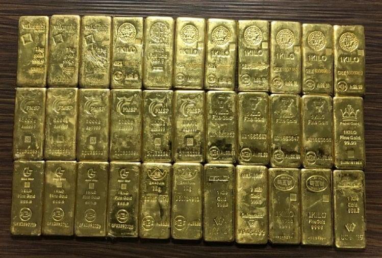 25 करोड़ का सोना व ड्रग्स जब्त, नौ गिरफ्तार, आगरा भेजी जानी थी खेप