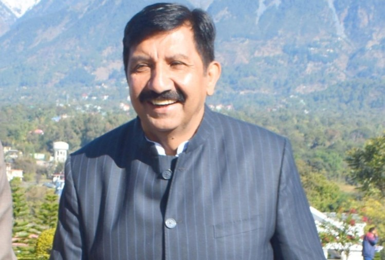 govt set up10 crore tents in Dharamshala with borrowed money: Agnihotri