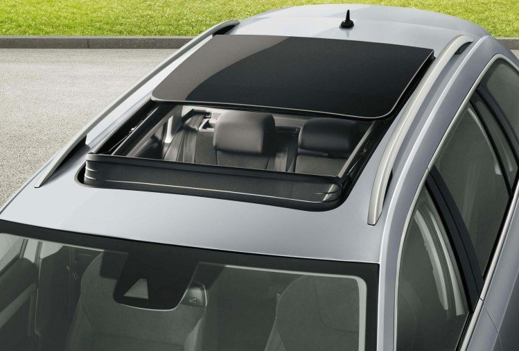 Sunroof car