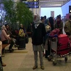 दिल्लीः घने कोहरे के कारण दिल्ली हवाईअड्डे पर उड़ानों पर लगा ब्रेक, ट्रेनों की भी रुकी रफ्तार
