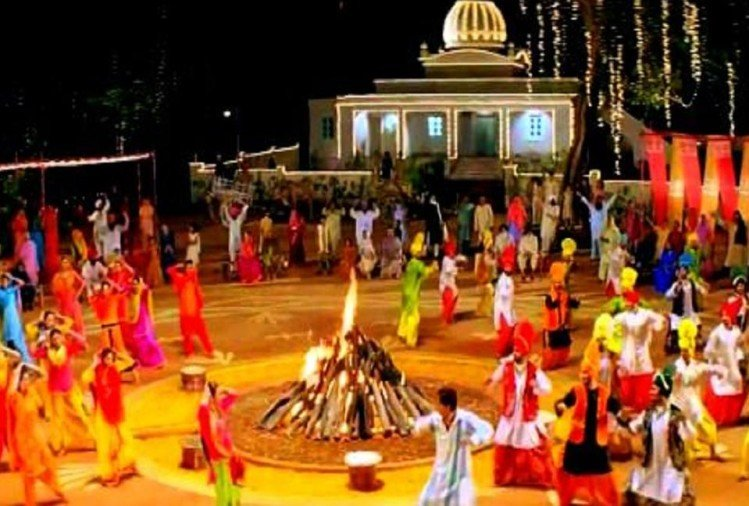 Best Lohri Songs 2019 Online: Playlist of Bollywood and ...