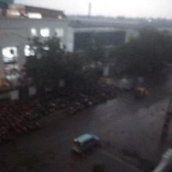 बारिश और बर्फबारी से उत्तर भारत बेहाल, हिमाचल में 200 सड़कें बंद, दिल्ली में दिन में छाया अंधेरा