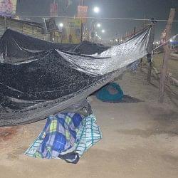 कुंभ 2019: देर रात आंधी से मची अफरातफरी, कई तंबू उखड़े