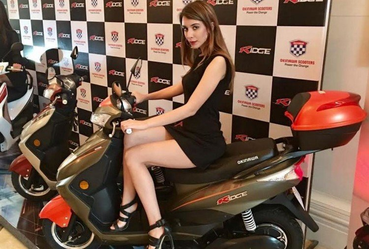 Okinawa i-Praise electric scooters