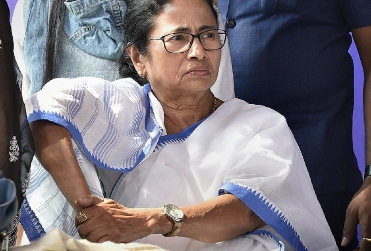 Mamata Banerjee is holding her Save the Constitution dharna, will address budget session from here