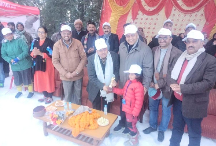 Ski Lift will be made soon from Narkanda to dhomri  in shimla