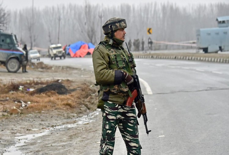 Jammu and Kashmir: Terrorists attack police party at KP road in Anantnag