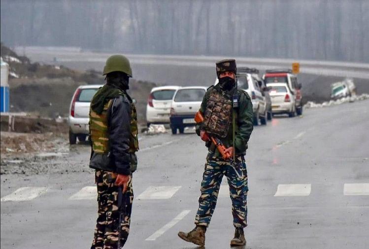 ट्रक से कश्मीर जा रहे चार आतंकियों को जवानों ने मार गिराया, जम्मू-श्रीनगर हाईवे बंद
