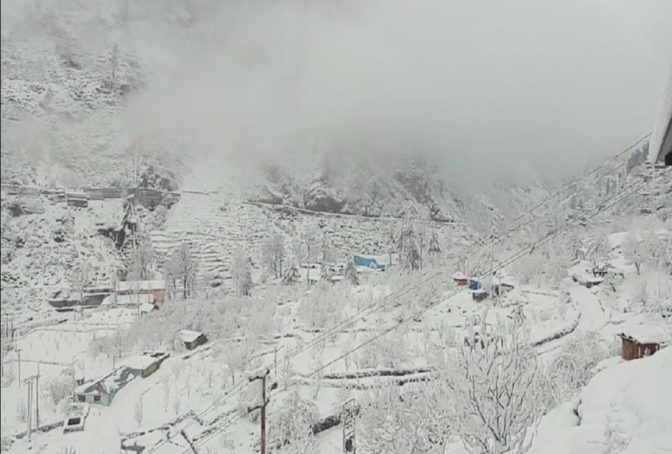 heavy snowfall in shimla after 12 years in february