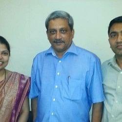 डॉक्टर हैं गोवा के नए मुख्यमंत्री सावंत, पत्नी शिक्षक और भाजपा नेता