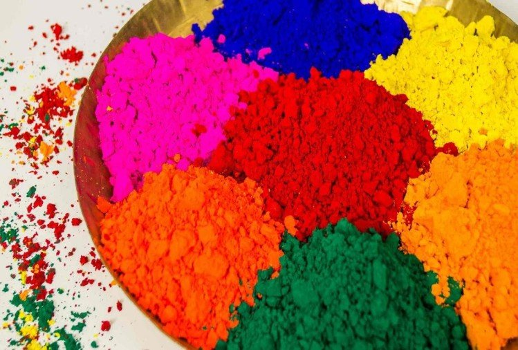 Holi 2019 know how to make herbal holi colors natural gulal from flower and spices at home
