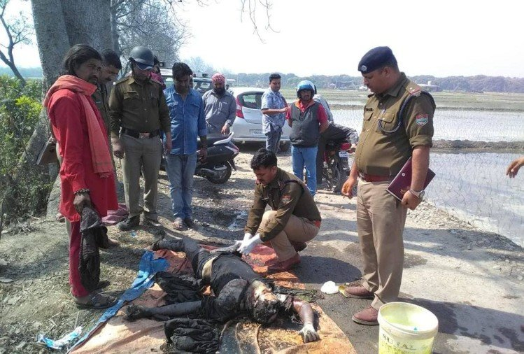 Brick-stones, Two Dozen Of The Injured On The Holi Procession – होली जुलूस पर बरसे ईंट-पत्थर,दो दर्जन चोटहिल