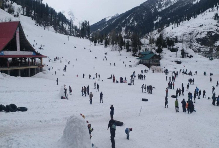 tourist rush in manali and solang nala after fresh snowfall