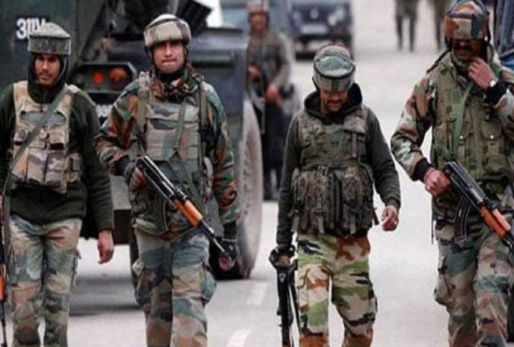 Four terrorists, including top Lashkar commander in Kashmir, one arrested, search operation going on