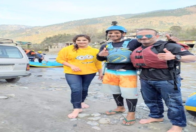 Bollywood actress Zarine Khan in Manali for film shooting location