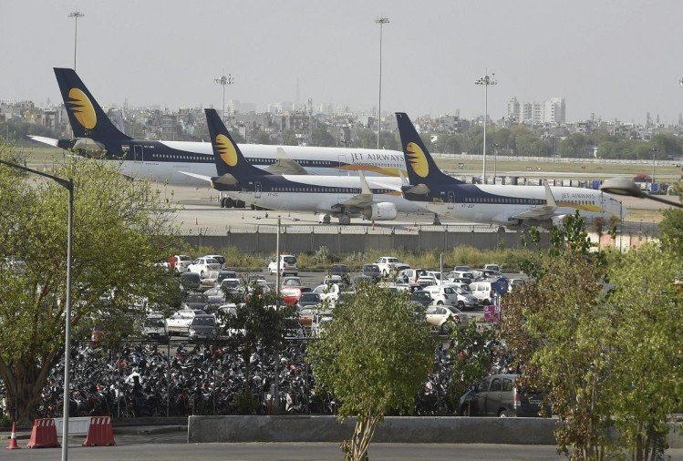 etihad, banks in talks with hinduja group for jet airways revival plan