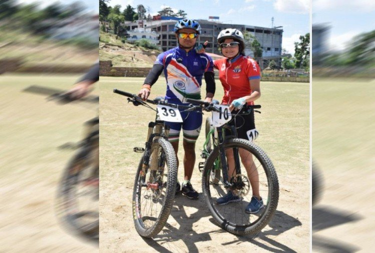 Brother And sister in The ultimate uttarakhand himalayan mtb challenge 2019