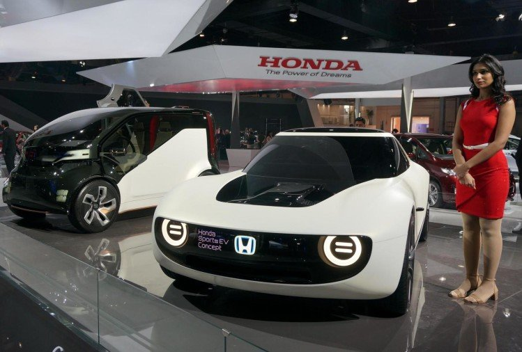 Top 10 Luxury Cars In India 2015: Top 10 Upcoming Electric Cars In India, Price Starts From
