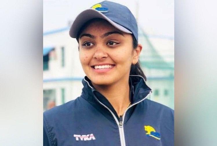 Indian Women Cricketer Harleen Deol Singing Video Goes Viral ...