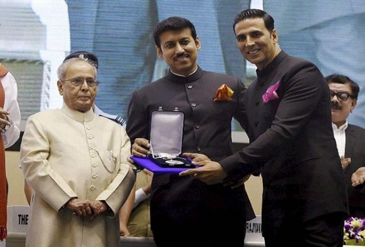 Apurva Asrani slams Akshay Kumar on National Award win for Rustom, Raees director defends Khiladi