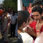Smriti Irani in cremation ceremony of BJP leader in Amethi.