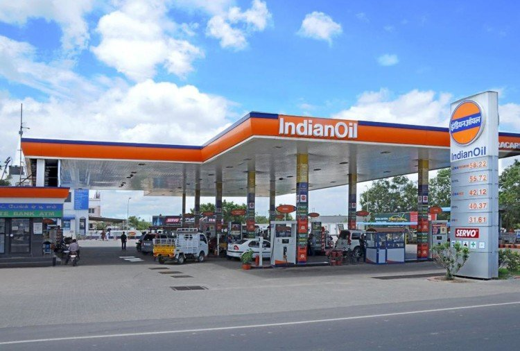 after bpcl, government may sell 51.5 stake in indian oil