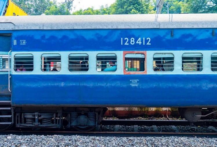 कानपुर देहात में एक बड़ा रेल हादसा टल गया है।