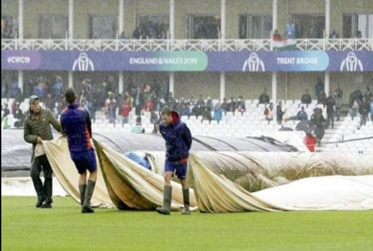 नॉटिंघम में बारिश से धूला मैच
