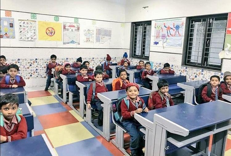 Delhi Government Schools Latest Pictures, See Images Shared By Aap Govt -  क्या आपने देखी दिल्ली के सरकारी स्कूलों की ये तस्वीरें, जिन पर छिड़ा है  विवाद - Amar Ujala Hindi News Live
