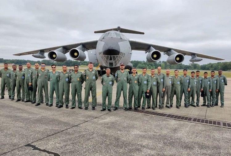 सेना और वायुसेना के जवानों की मूवमेंट बंद, डबल मास्क पहनने के आदेश