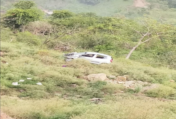 mother and son died after car fell into deep trench at bilaspur