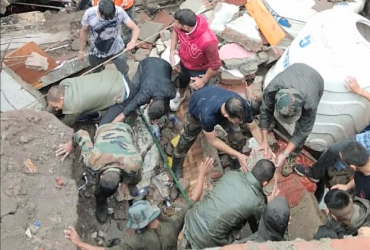 building collapse in solan woman body in debris found