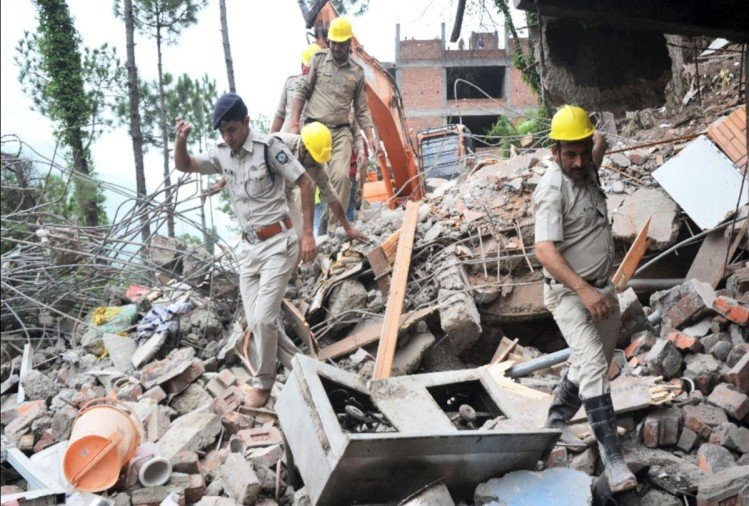 fourteen people died including army personnel after building collapsed in kumarhatti solan himachal