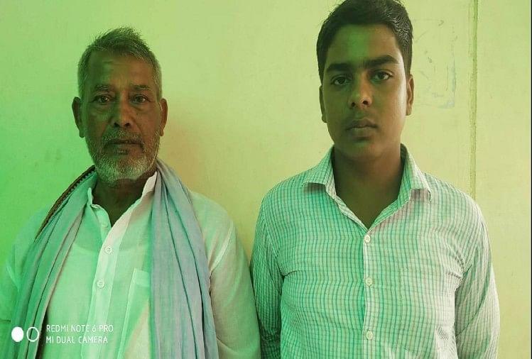 पुलवामा हमले में शहीद महराजगंज के रहने वाले पंकज त्रिपाठी के परिजनों को दबंगों की ओर से धमकी दी जा रही है और उनके परिवार को सरकार की ओर से मिली जमीन को गांव के कुछ दबंग लोग कब्जा करना चाहते हैं