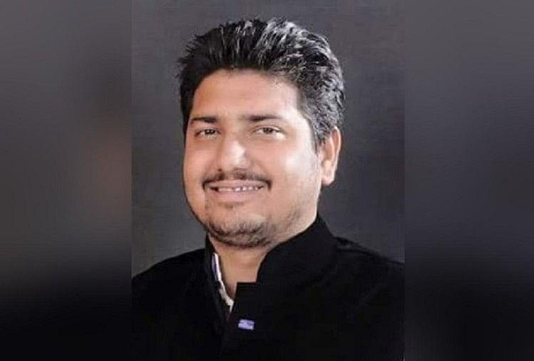 शामली जनपद में कैराना से सपा विधायक नाहिद हसन को तलाश रही पुलिस को विधायक की लोकेशन पंजाब में मिली है। पुलिस टीम को वहां भेजा गया है। पंजाब पुलिस का भी सहयोग लिया जा रहा है।