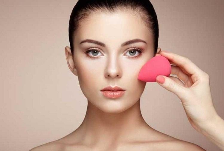 Skin Care Routine To Follow At Night Beauty Tips In Hindi - रात में सोने से पहले  इन टिप्स को फॅालो करने से स्किन में आएगा निखार, चमक उठेगी त्वचा - Amar