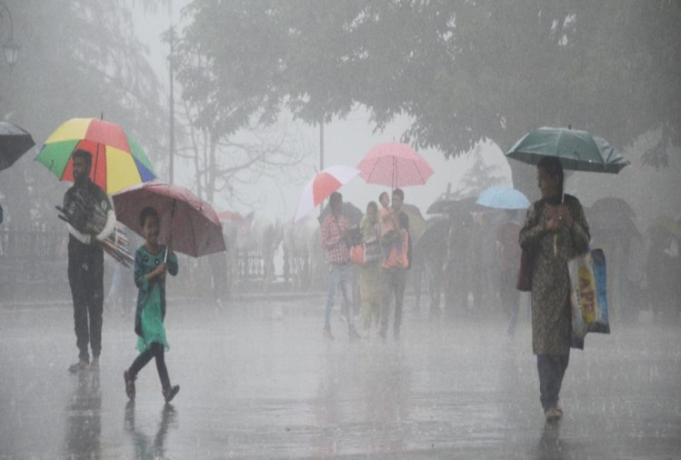 heavy rain lashes in parts of delhi ncr relief from humidity