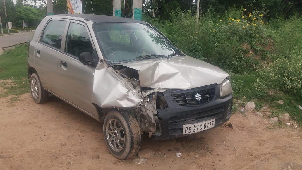 घटना में दुर्घटनाग्रसित हुई कारें।