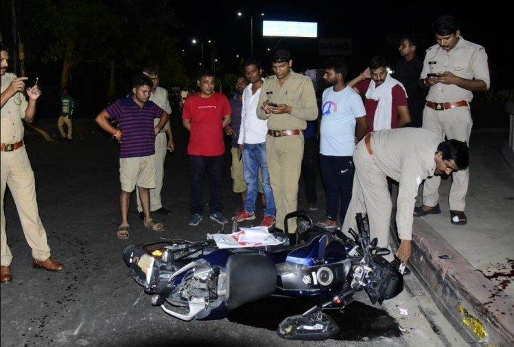 Bike riders injured during stunts in Gomati Nagar in Lucknow.