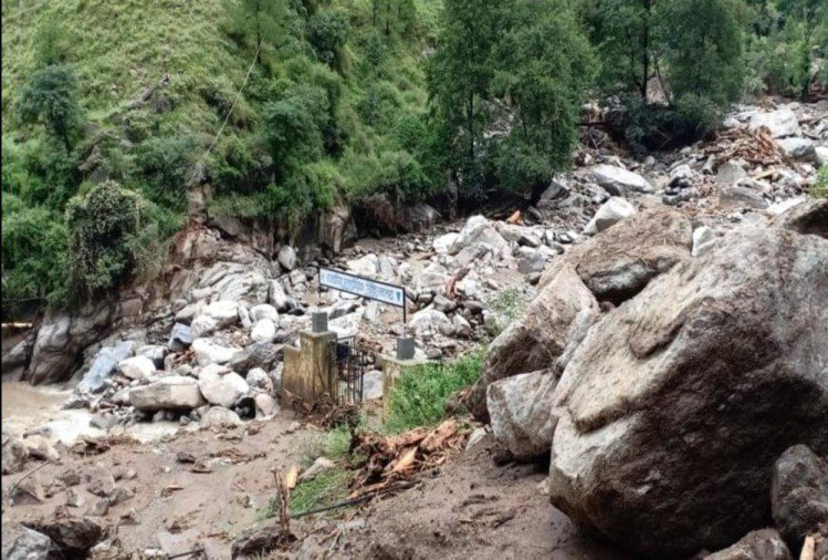Disaster in Uttarkashi see Real Condition of Catastrophe in these 10 Photos