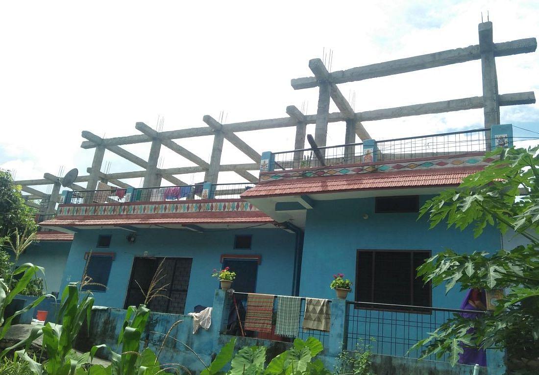 कठायतबाड़ा स्थित मृतक देवकी नंदन का आवास।