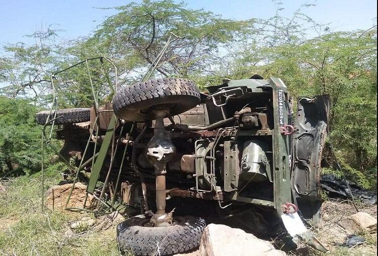 महाराष्ट्र: जलगांव में भीषण सड़क हादसा, ट्रक पलटने से 15 मजदूरों की मौत
