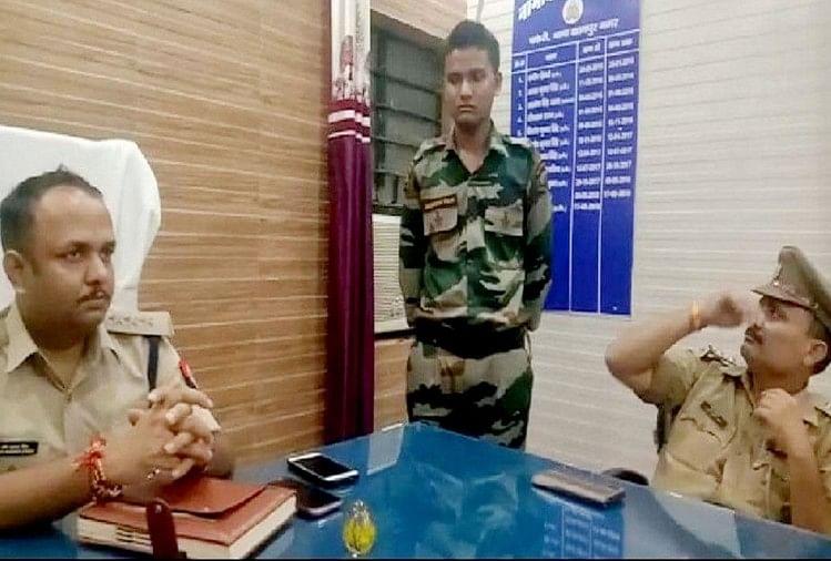कानपुर के चकेरी एयरपोर्ट के पास शुक्रवार सुबह सेना की वर्दी पहने एक युवक को पुलिस ने हिरासत में ले लिया