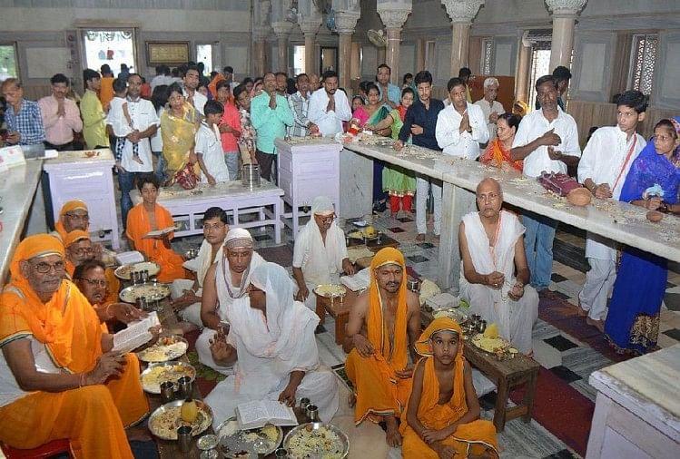 पौष दशमी के दिन जैन मंदिरों में मेलों का आयोजन किया जाता है