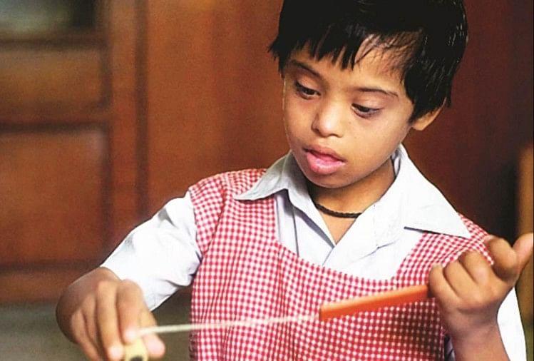 एक व्यस्क को बच्चे की तरह व्यवहार करता देख बरबस मुंह से निकल जाता है कि यह तो मंदबुद्धि या स्पेशल चाइल्ड है। दरअसल, ऐसे लोग डाउन सिंड्रोम के शिकार होते हैं। चिंता की बात यह है कि इसके मामले बढ़ते जा रहे हैं।