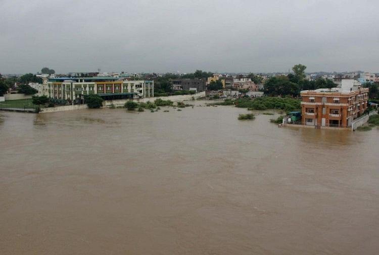 बाढ़ से बेहाल मध्यप्रदेश