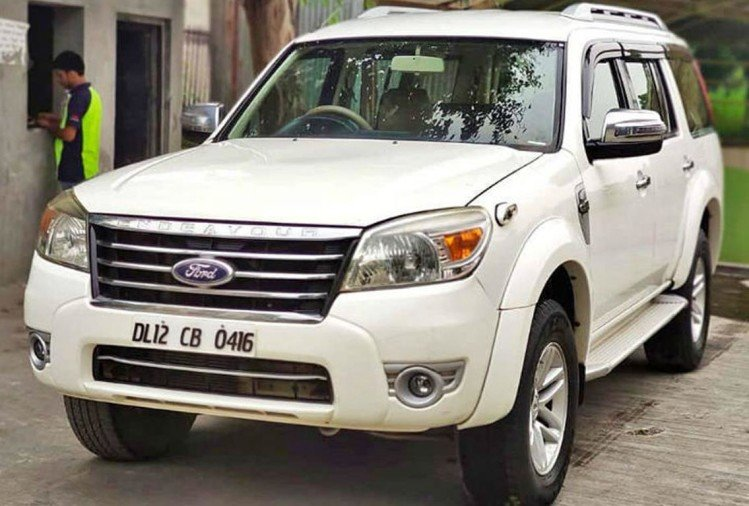 Ford Endeavour selling cheaper Maruti