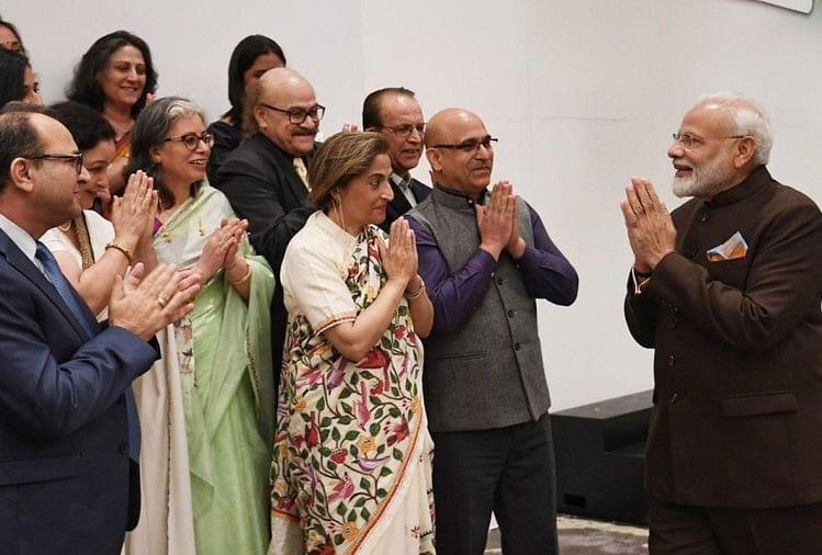 नरेंद्र मोदी ने कश्मीरी पंडितों से की मुलाकात