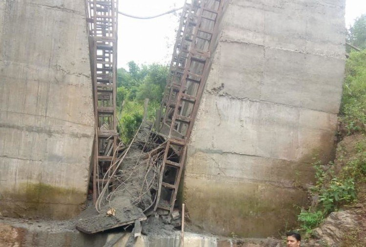 Six Injured as Under construction bridge collapses in Sirmour Himachal Pradesh